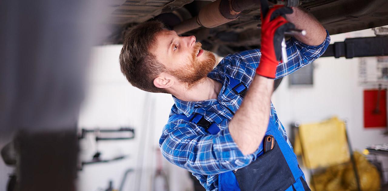Was macht ein*e Kraftfahrzeugtechniker*in?