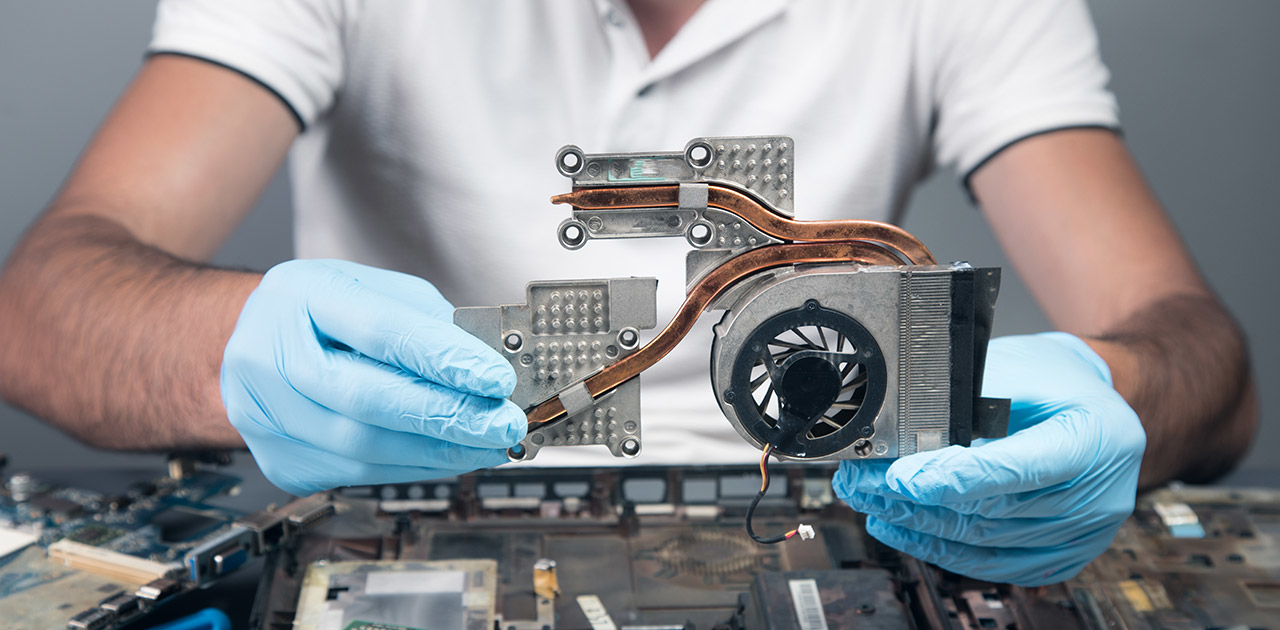 Was macht ein*e Elektroniker*in?